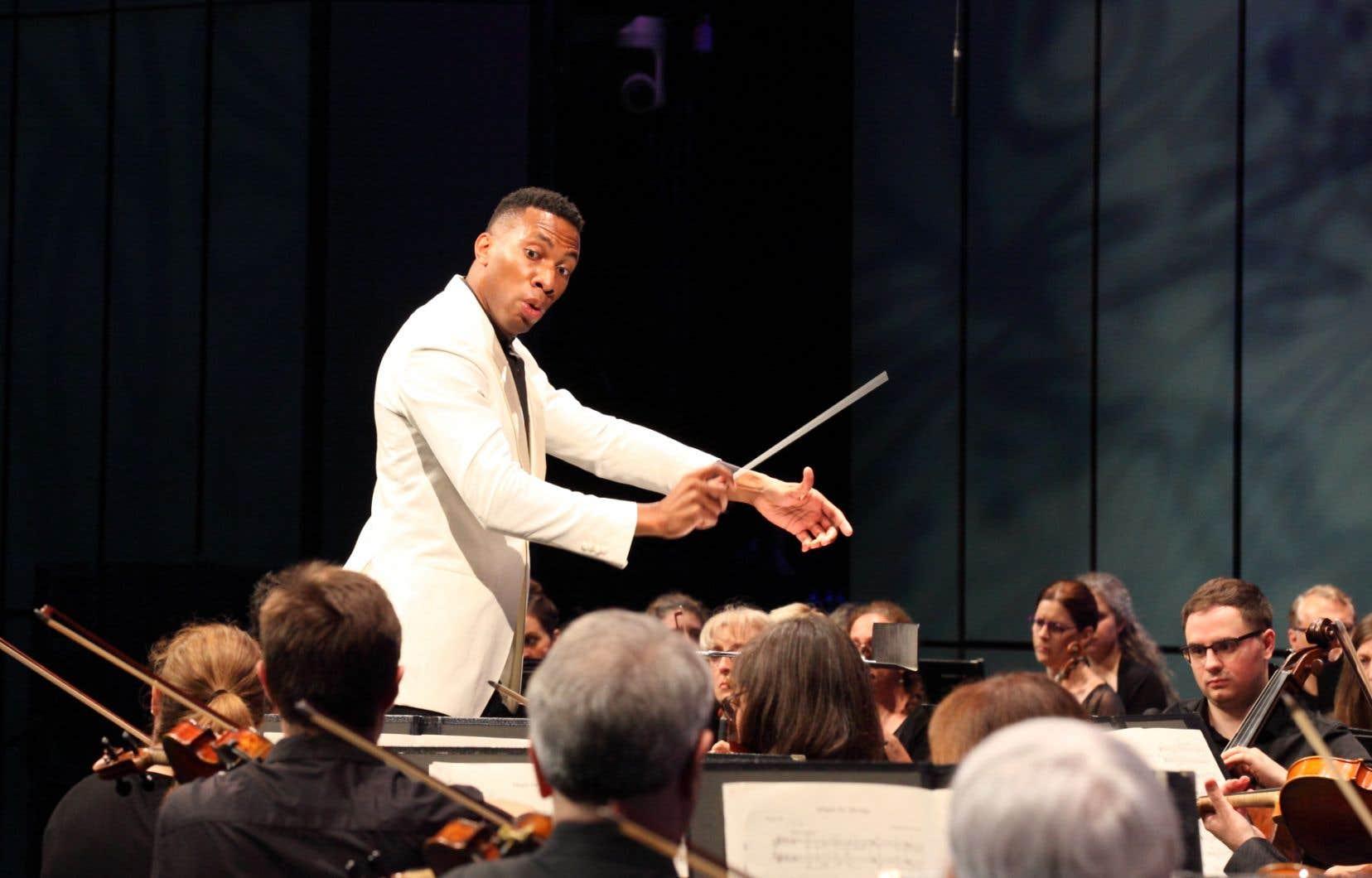 De la «2esymphonie de Rachmaninov», Roderick Cox a bien rendu l'architecture, interprété un mouvement lent de belle tenue, jamais sentimentalisant.