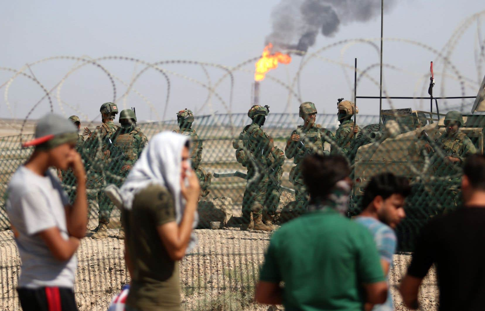 Samedi, des dizaines de protestataires se sont ainsi rassemblées dans plusieurs quartiers de Bassora, y compris près de champs pétroliers à l'ouest de la ville.