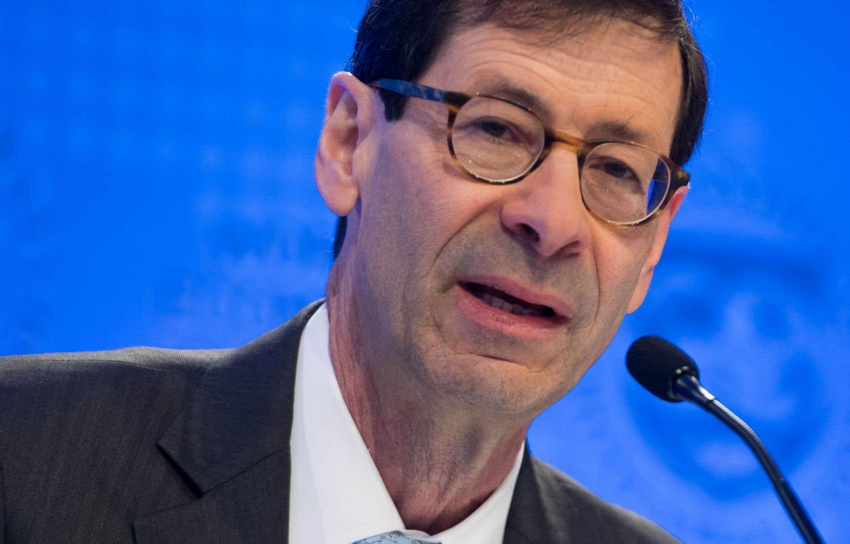 L'économiste en chef du FMI, Maurice Obstfeld, a fait état de modèles macroéconomiques. Selon lui, si les menaces actuelles se réalisent et que la confiance des entreprises s'érode, cela pourrait abaisser leurs projections actuelles de l'ordre de 0,5point d'ici 2020.
