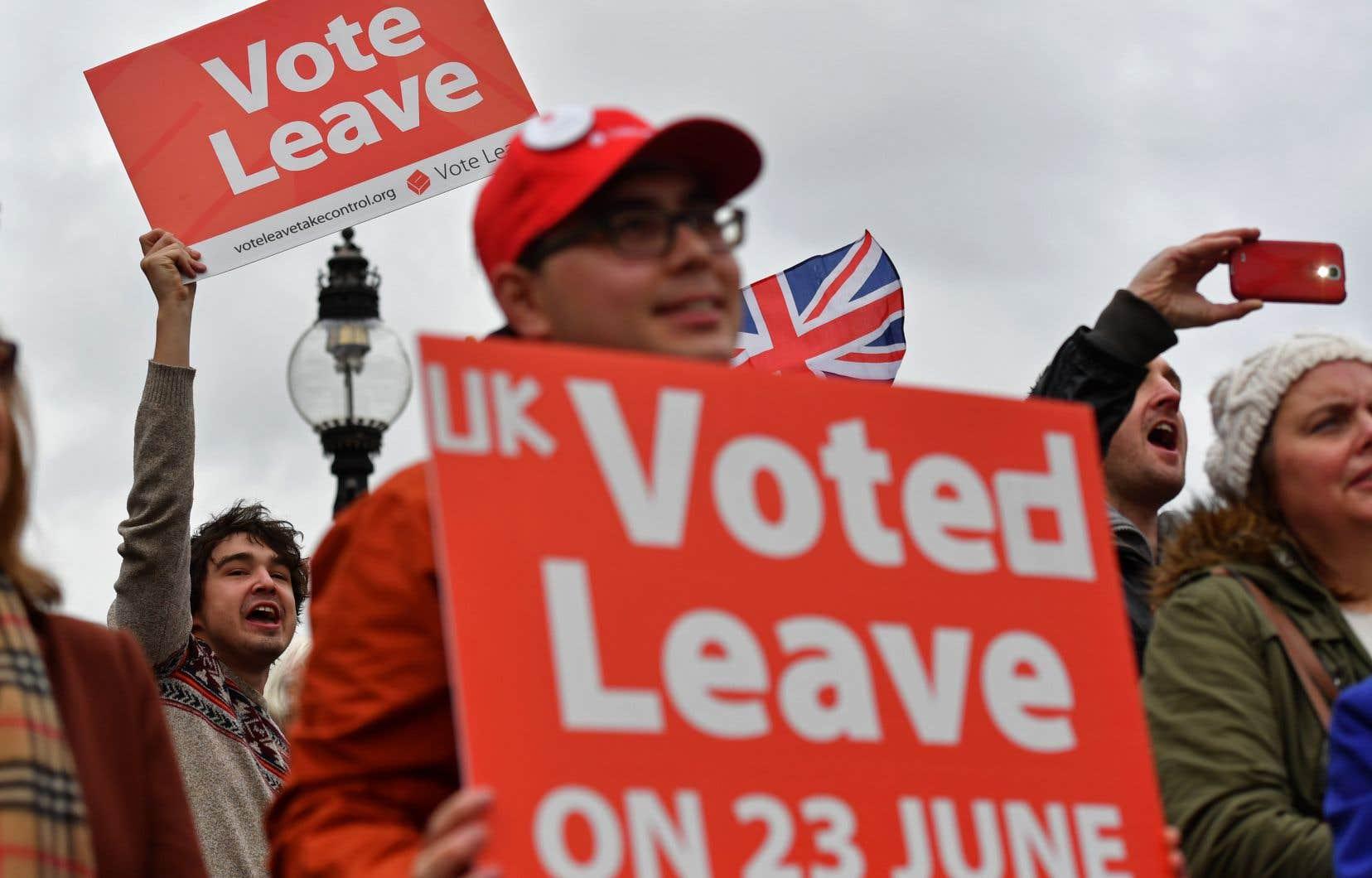 Le référendum du 23juin 2016 s'est joué à moins de 2% des votes, les Britanniques ayant voté à 52% pour sortir de l'UE.