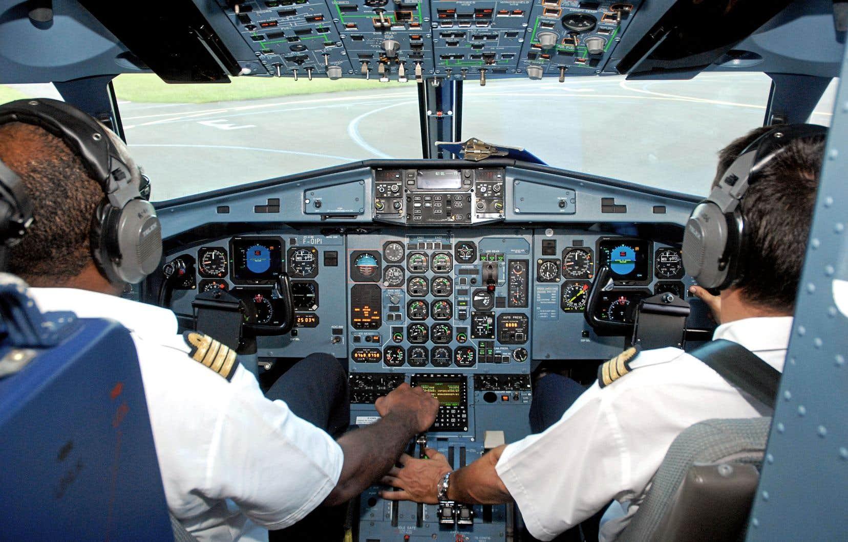 Seulement 5% des pilotes civils en fonction sont des femmes, selon CAE, qui a décidé d'offrir à partir de l'automne 2018 cinq bourses d'études complètes chaque année destinées à des candidates.
