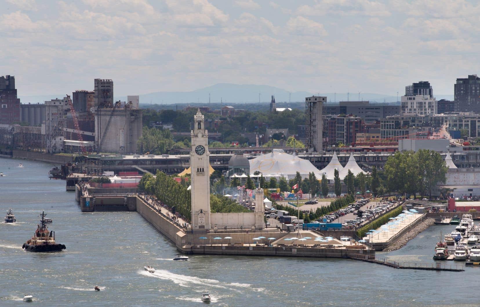 Le quai de l'Horloge, dans le Vieux-Port de Montréal