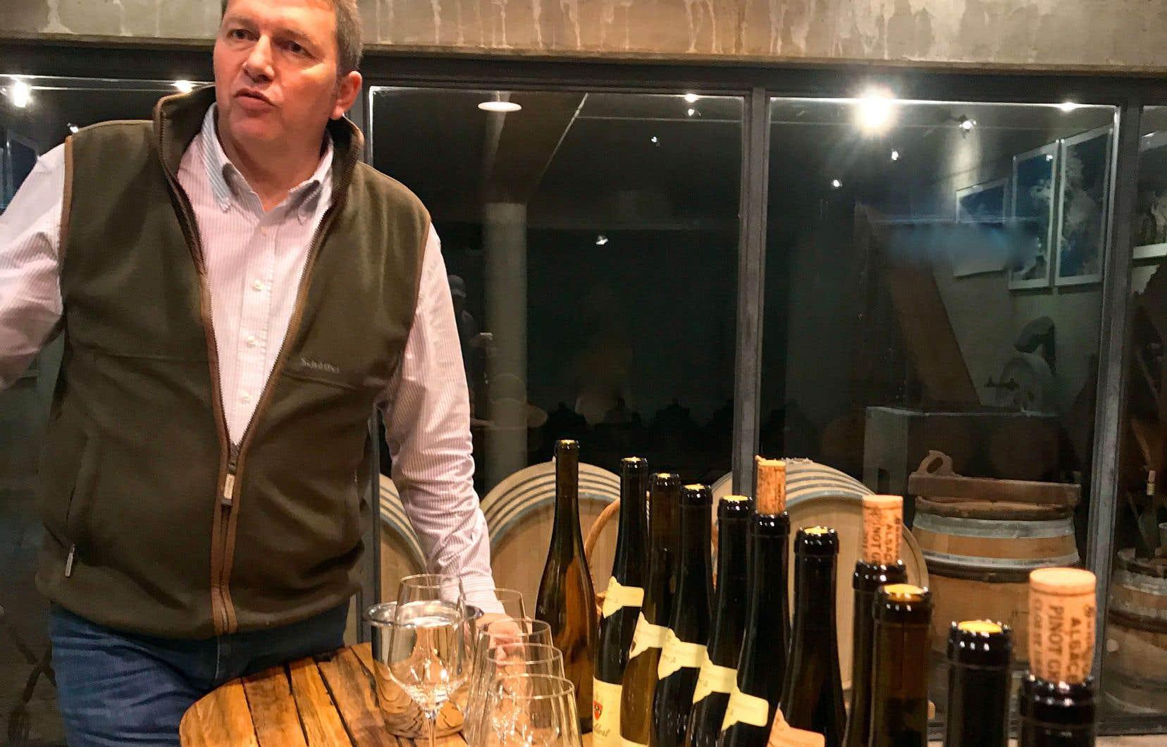 Olivier Humbrecht est un homme de science (ingénieur agronome), mais il porte aussi le titre prestigieux de Master of Wine. C'est bien pourquoi il se méfie des mots.