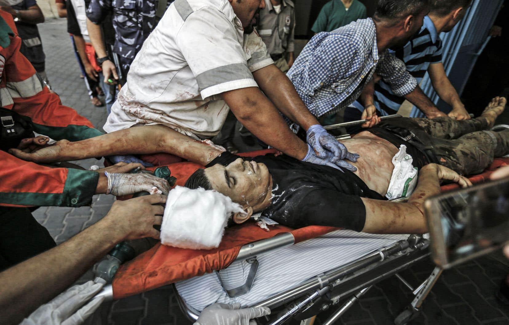Un Palestinien gravement blessé a été conduit d'urgence à l'hôpital al-Shifa, où il a succombé un peu plus tard à ses blessures.