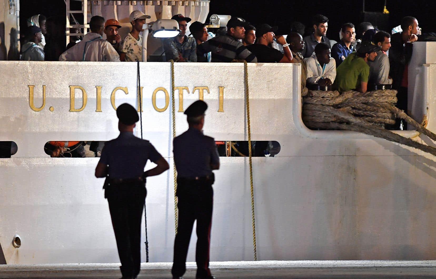 L'opération Sophia a permis de secourir en mer près de 44000 personnes depuis son lancement en 2015, a indiqué l'amiral italien Enrico Credentino.