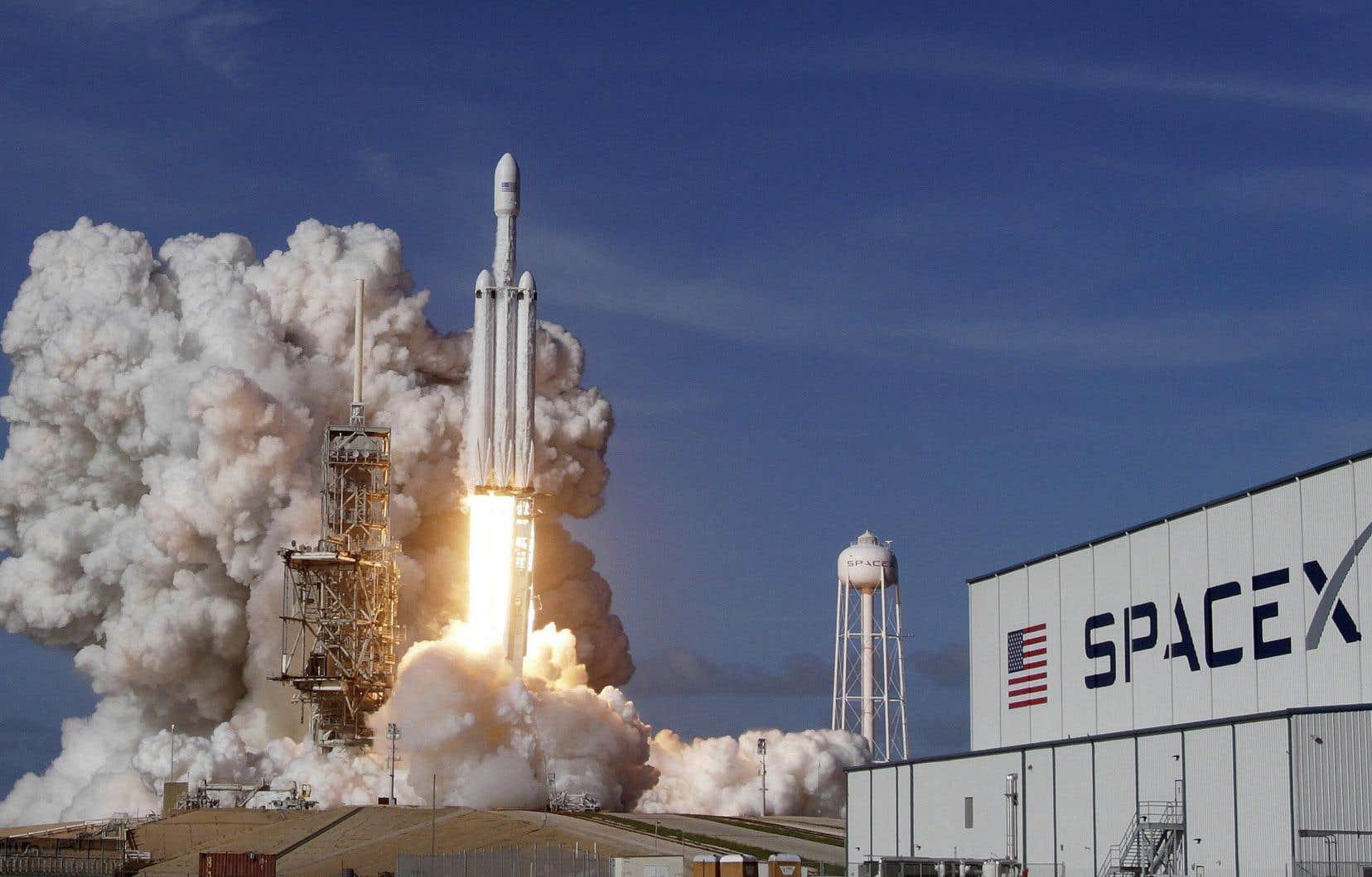 Une sculpture réfléchissante appelée «Orbital Reflector» sera mise en orbite par le lanceur Falcon 9, propriété de SpaceX.