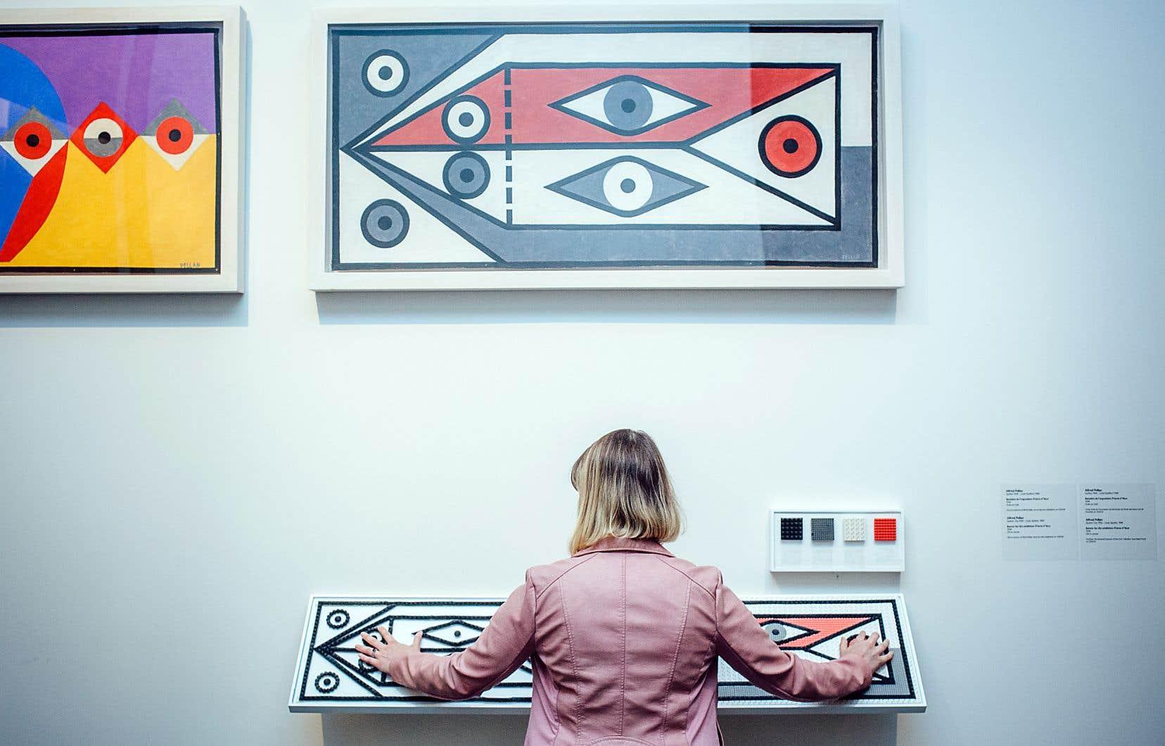 Les visiteurs peuvent découvrir l'œuvre de Pellan progressivement, en passant du panneau de la forme à celui de la couleur, ou lire les deux en même temps, comme le démontre l'instigatrice du projet, Patricia Bérubé, artiste numérique et spécialiste de l'animation 3D. La distance entre les deux panneaux a été déterminée pour maximiser la compréhension de l'œuvre.