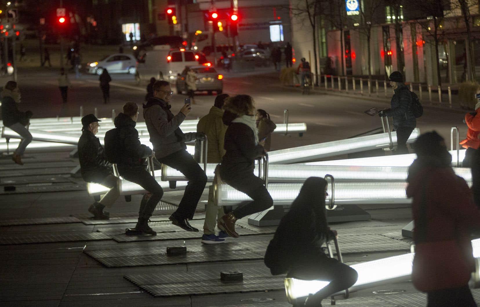 «Impulsion» a été créée dans le cadre d'un concours organisé par le Partenariat du Quartier des spectacles pour la sixième édition de Luminothérapie, en 2015-2016.