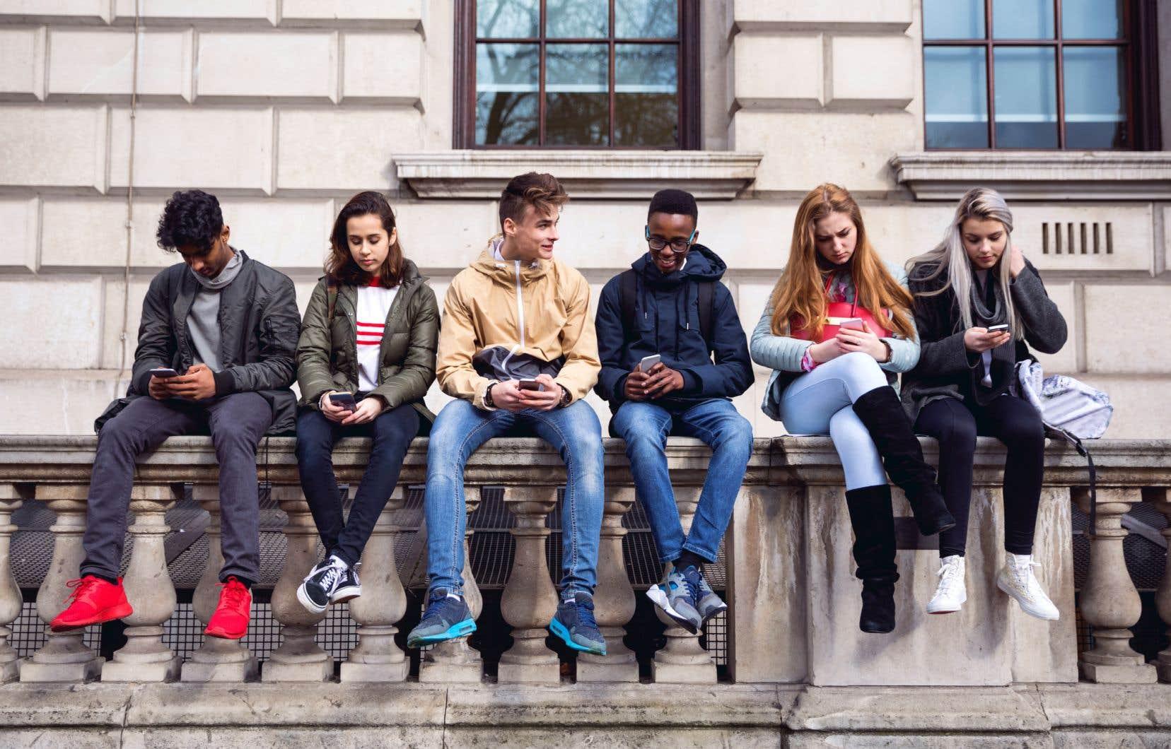 Les auteurs de l'étude soulignent le fait que l'usage des médias numériques modernes peut jouer un rôle dans le développement des symptômes du TDAH, dont les principaux sont l'inattention etl'hyperactivité-impulsivité.