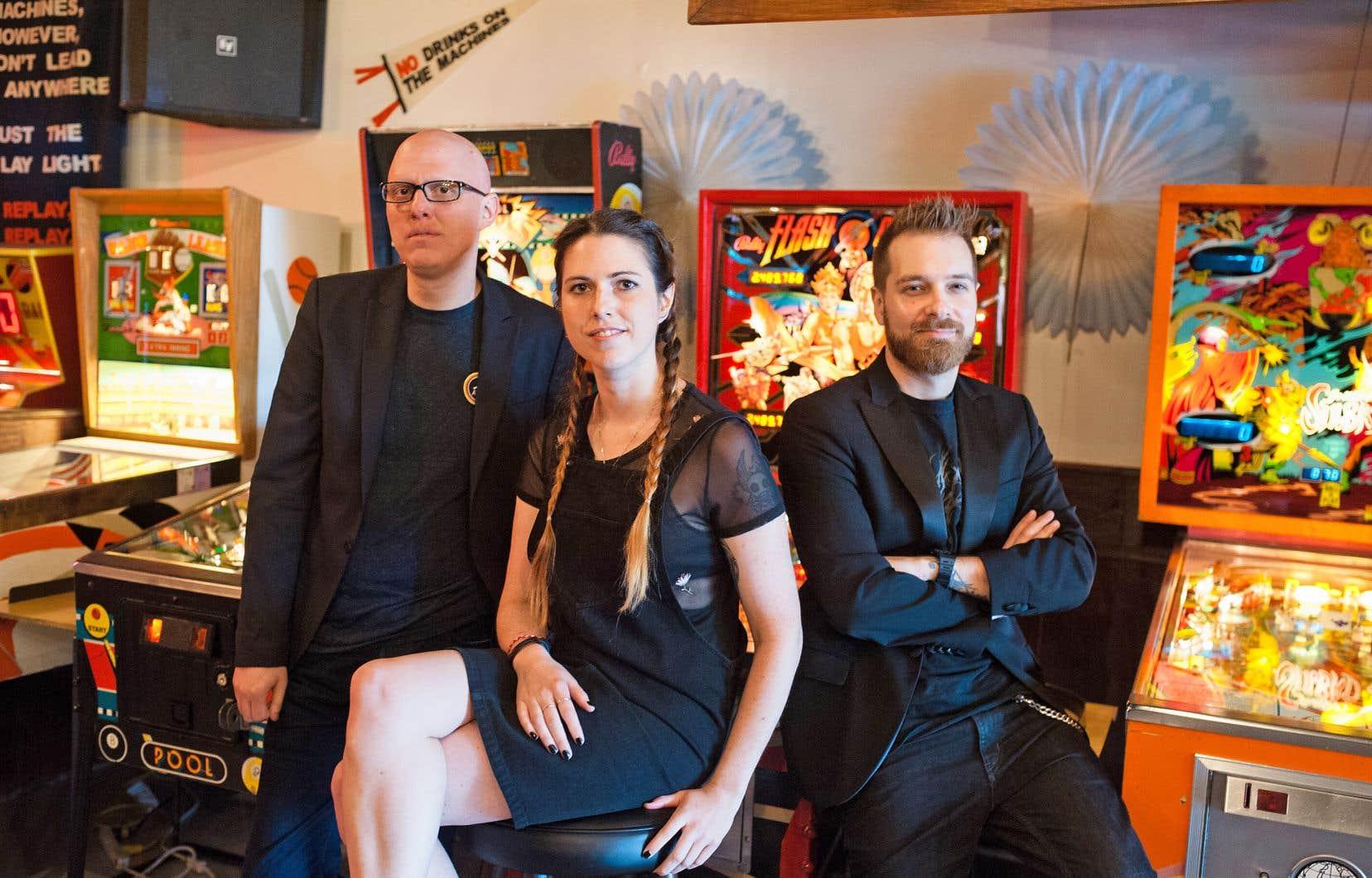 Yoann-Karl Whissell, Anouk Whissell et François Simard, qui constituent le collectif RKSS (Road Kill Superstars), reviennent avec un thriller plus ancré dans le réel, trois ans après l'acclamée odyssée geek dystopique «Turbo Kid».