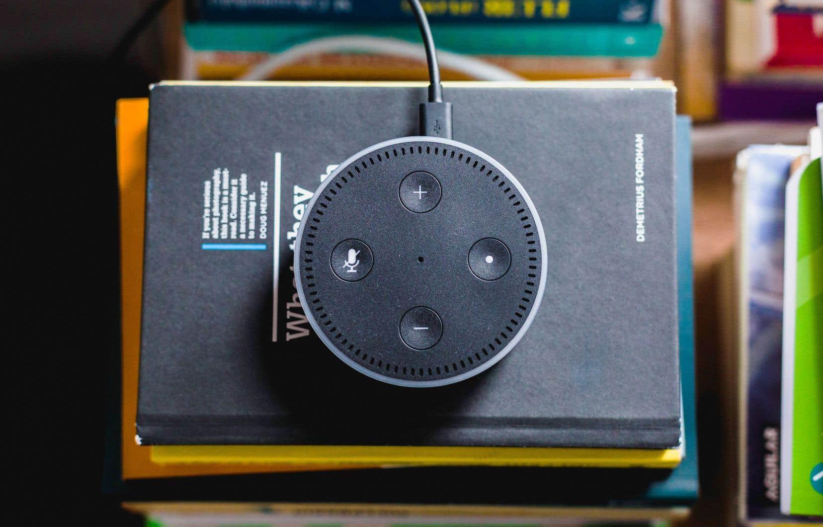 Amazon Echo comme Google Home envoient les requêtes des utilisateurs sur des serveurs distants, où elles sont non seulement traitées — pour donner lieu à une réponse ou à une commande —, mais aussi conservées.