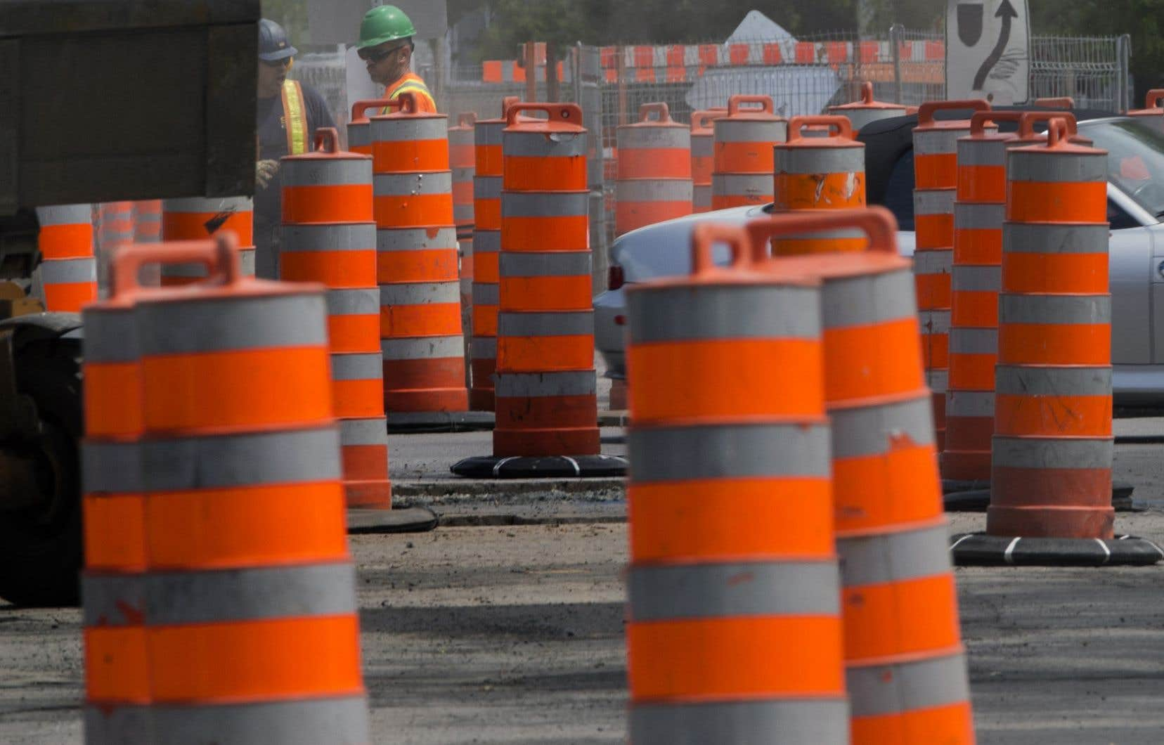 La Ville de Québec a reporté 133 des 850 projets de réfection routière qu'elle avait planifiés au printemps.