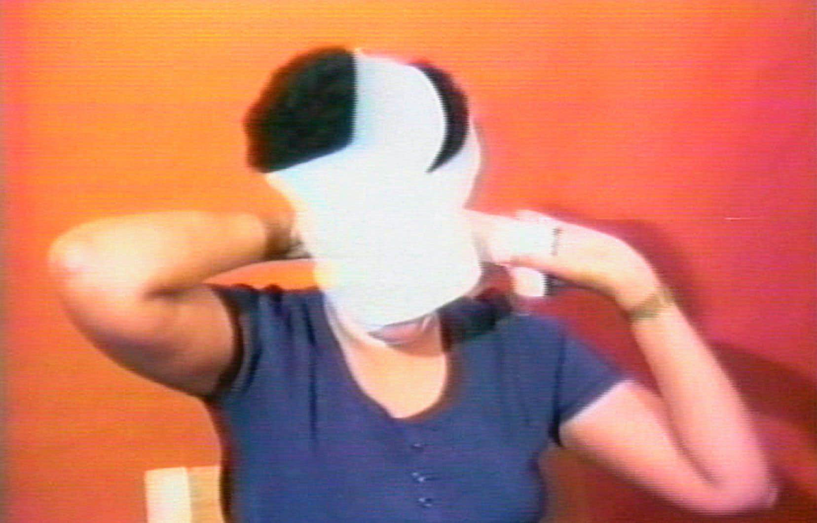 Image tirée de la vidéo «Still from Free, White and 21», 1980, d'Howardena Pindell.