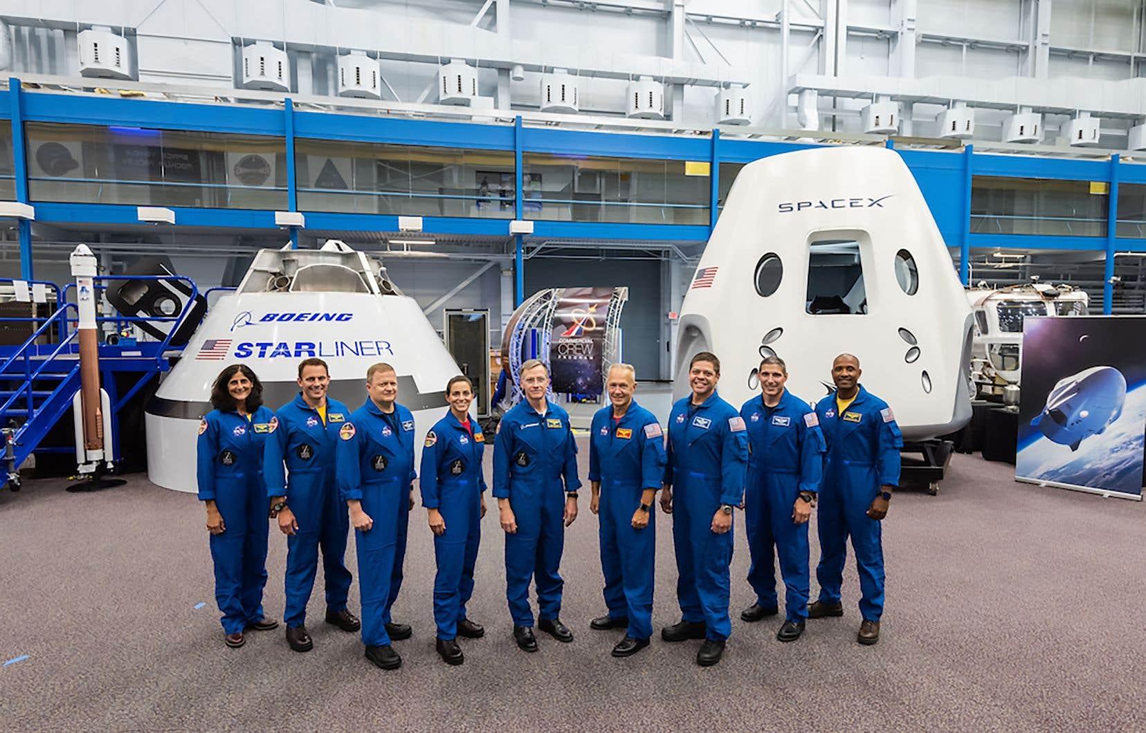 Les premiers astronautes américains qui piloteront des engins spatiaux commerciaux de fabrication américaine à destination et en provenance de la Station spatiale internationale