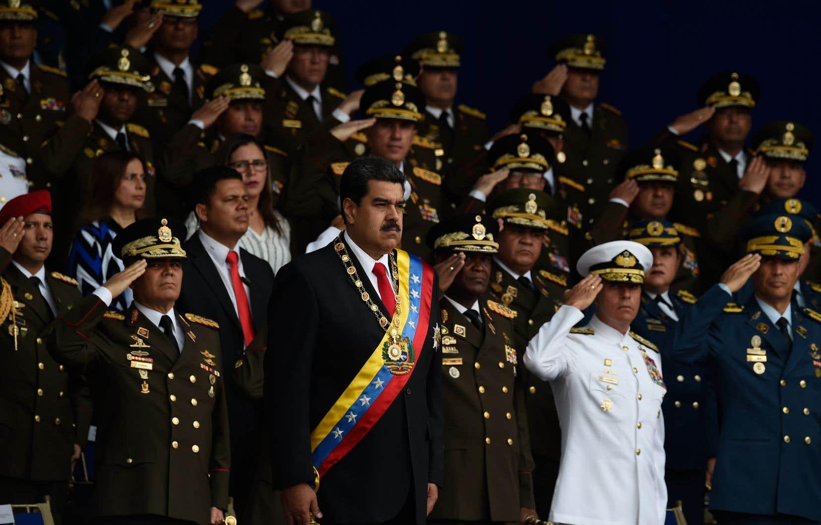 Nicolas Maduro prononçait un discourspendant une cérémonie militaire à Caracas.