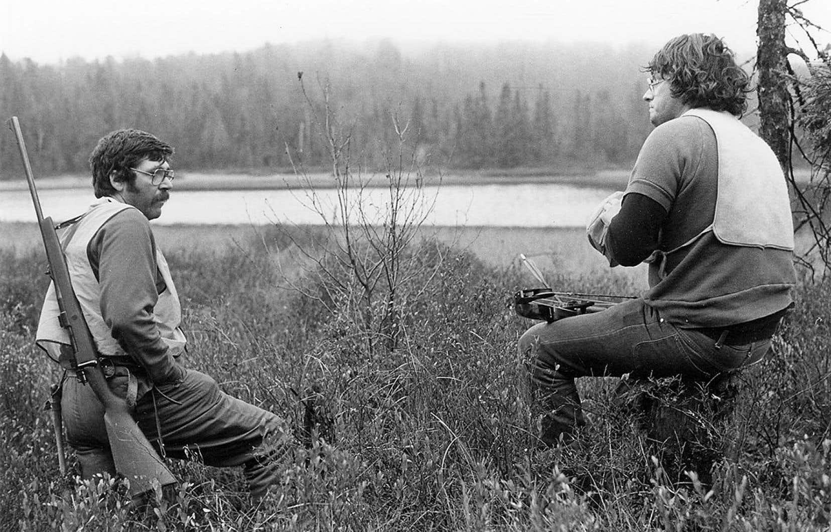 «La bête lumineuse» (1982) de Pierre Perrault porte fortement l'empreinte de l'Outaouais, à commencer par les protagonistes, originaires de cette région.