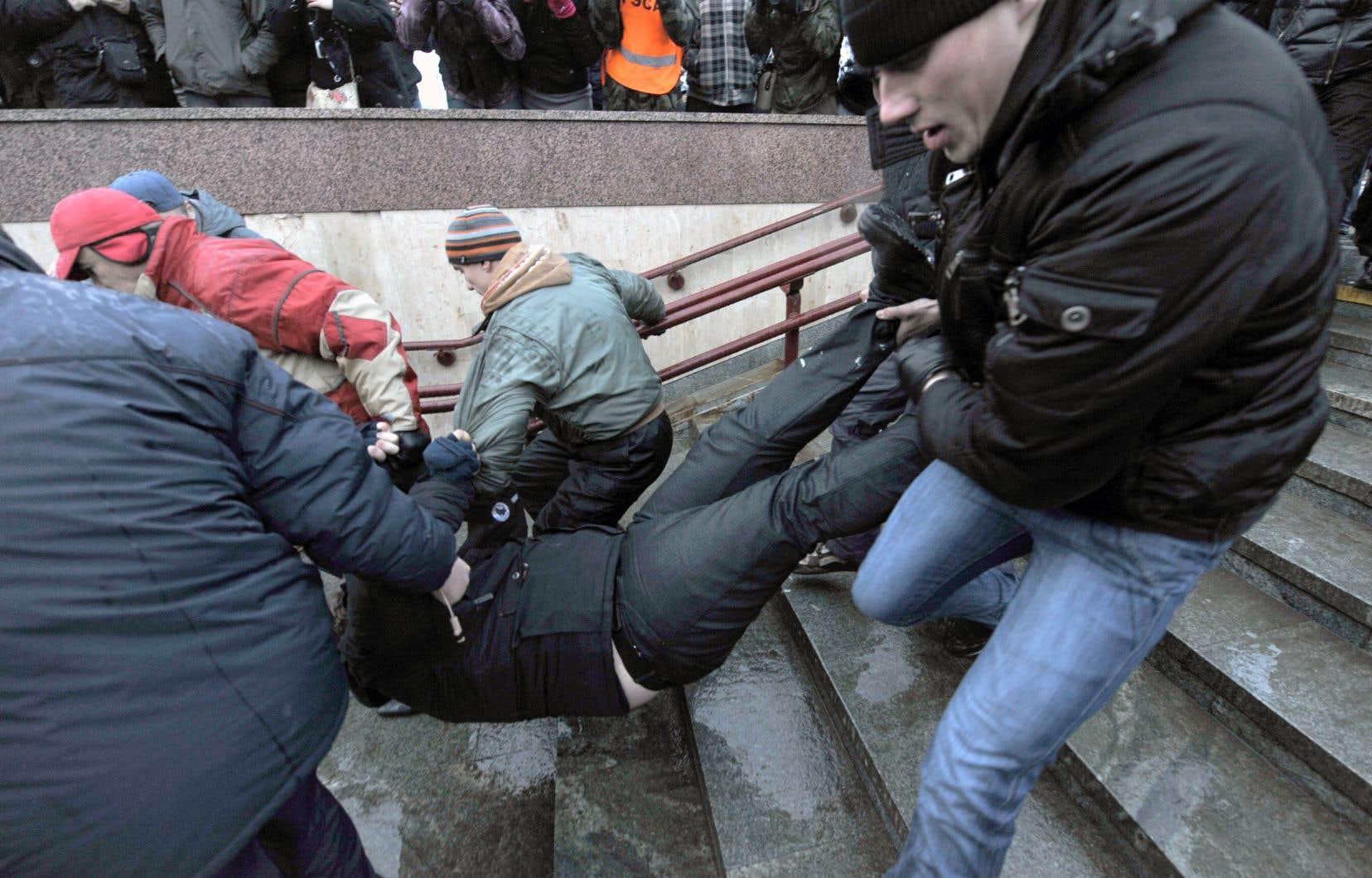 Le Bélarus, dirigé d'une main de fer par le président Alexandre Loukachenko depuis 1994, maintient un contrôle constant sur les médias.