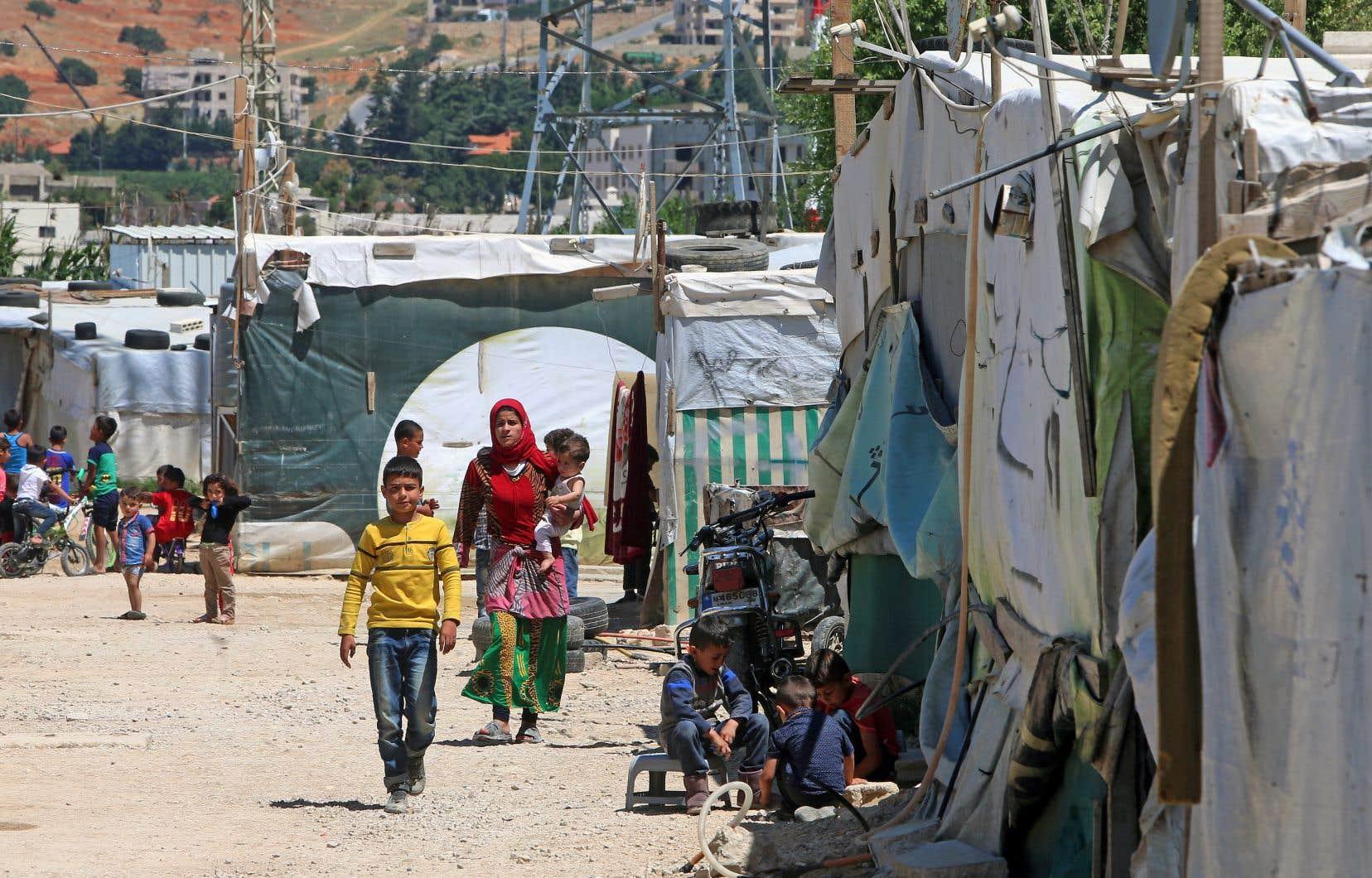 Les réfugiés que veulent parrainer les organismes attendent souvent dans des camps depuis des années.