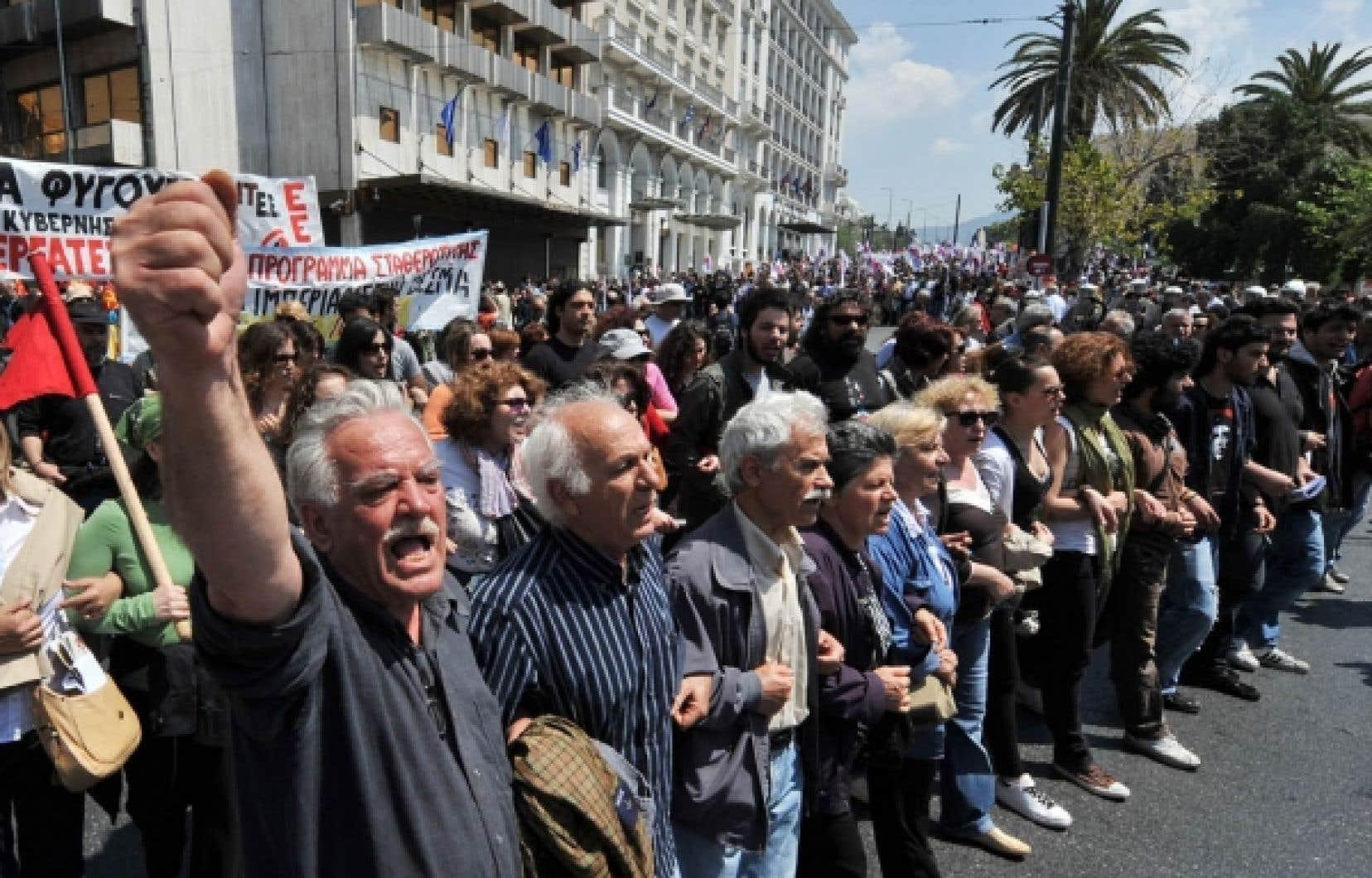 Le niveau extrêmement élevé des taux grecs accentue les difficultés d'Athènes à respecter ses échéances de remboursement.