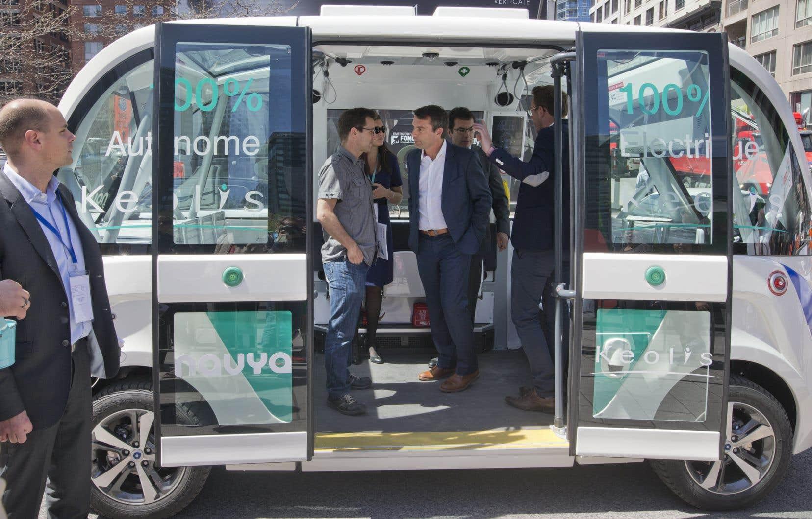 En mai 2017, la Ville de Terrebonne avait annoncé son souhait de lancer un projet-pilote de véhicules «sans chauffeurs» en partenariat avec les sociétés Keolis et Navya.