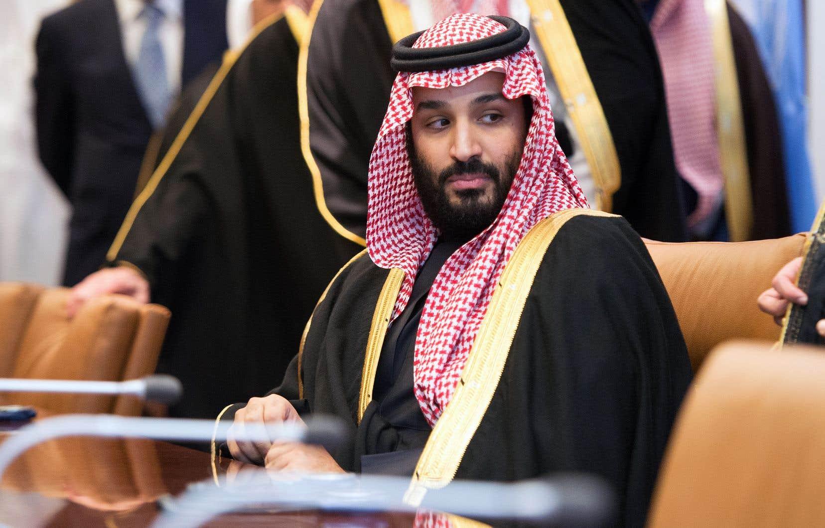 Le message sur Twitter du Canada semble avoir servi de prétexte au jeune prince héritier de 32ans Mohammed ben Salmane pour envoyer à sa propre population un message de force destiné aux opposants.