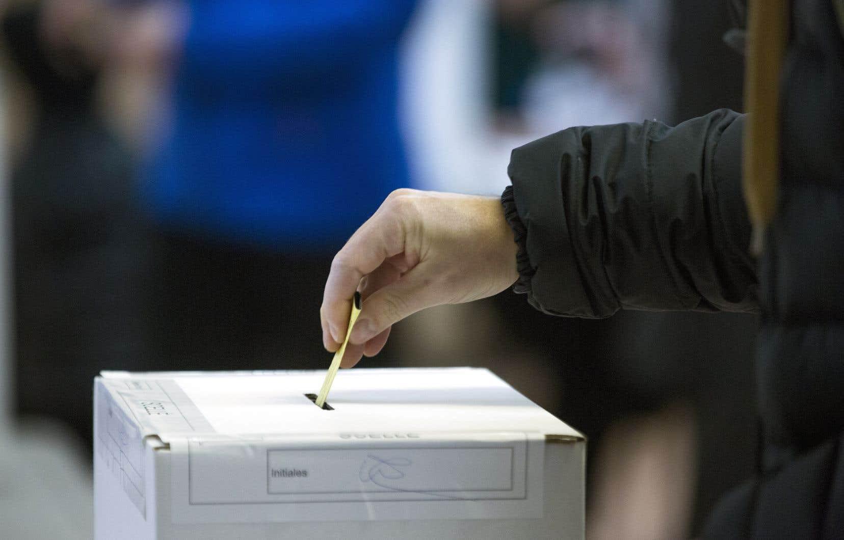 L'organisme qui établissait les règles à respecter pour les firmes de sondage a cessé abruptement ses opérations au début du mois.