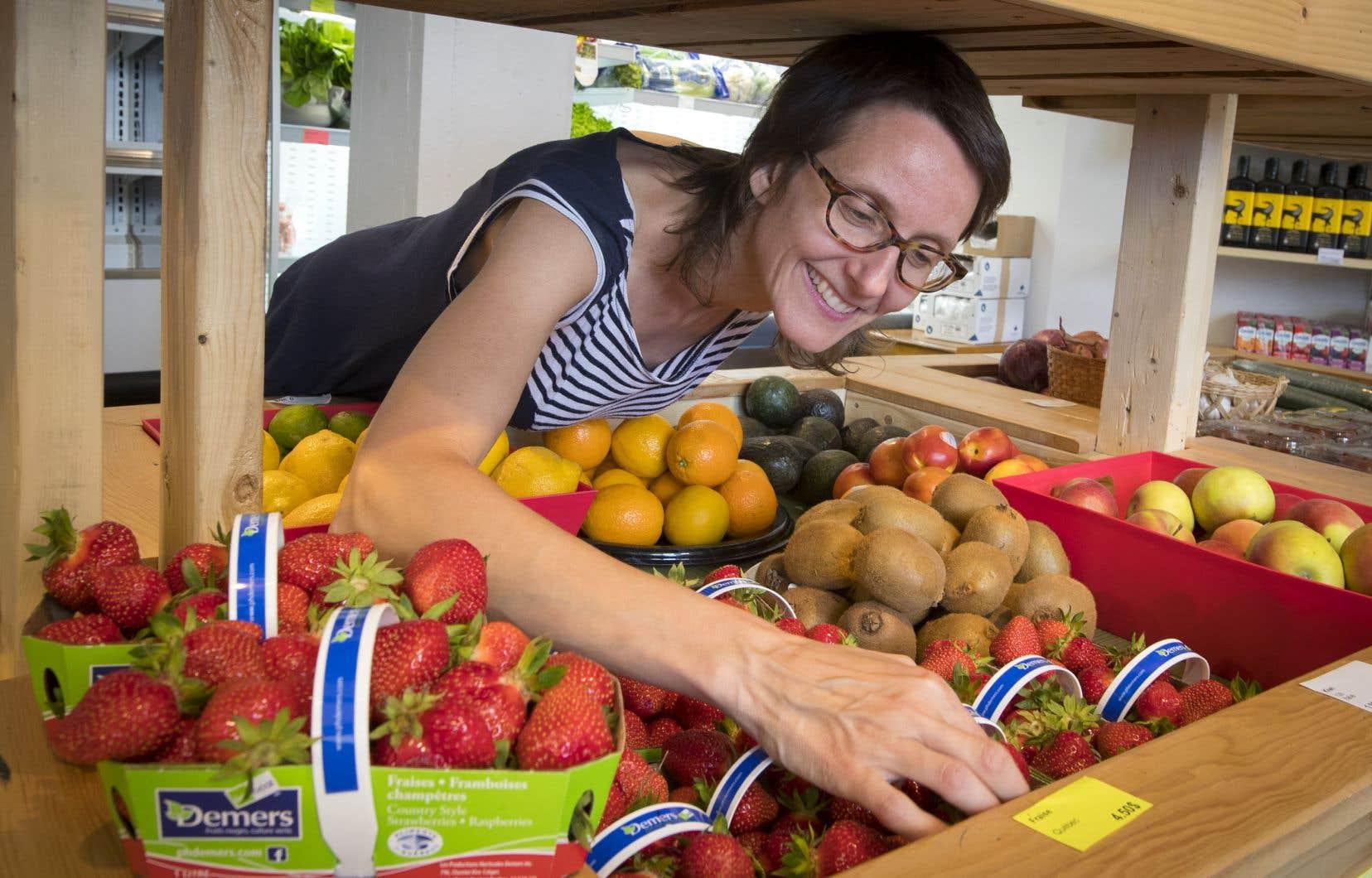 Marie-Claude Rose, une des instigatrices et membres de la nouvelle coop alimentaire Le Détour, un petit marché communautaire ouvert en mai dernier aux confins de Pointe-Saint-Charles, après 10ans d'intense gestation.