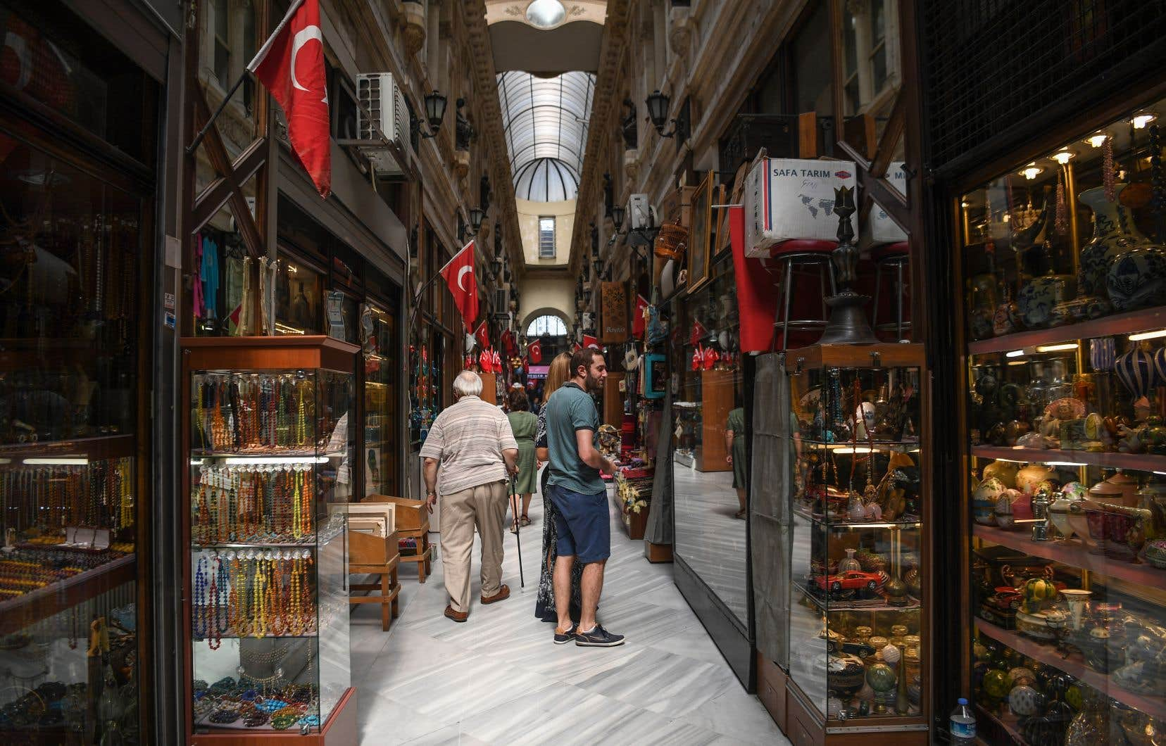 La crise avec les États-Unis incite par ailleurs la Turquie à renouer avec l'Europe.