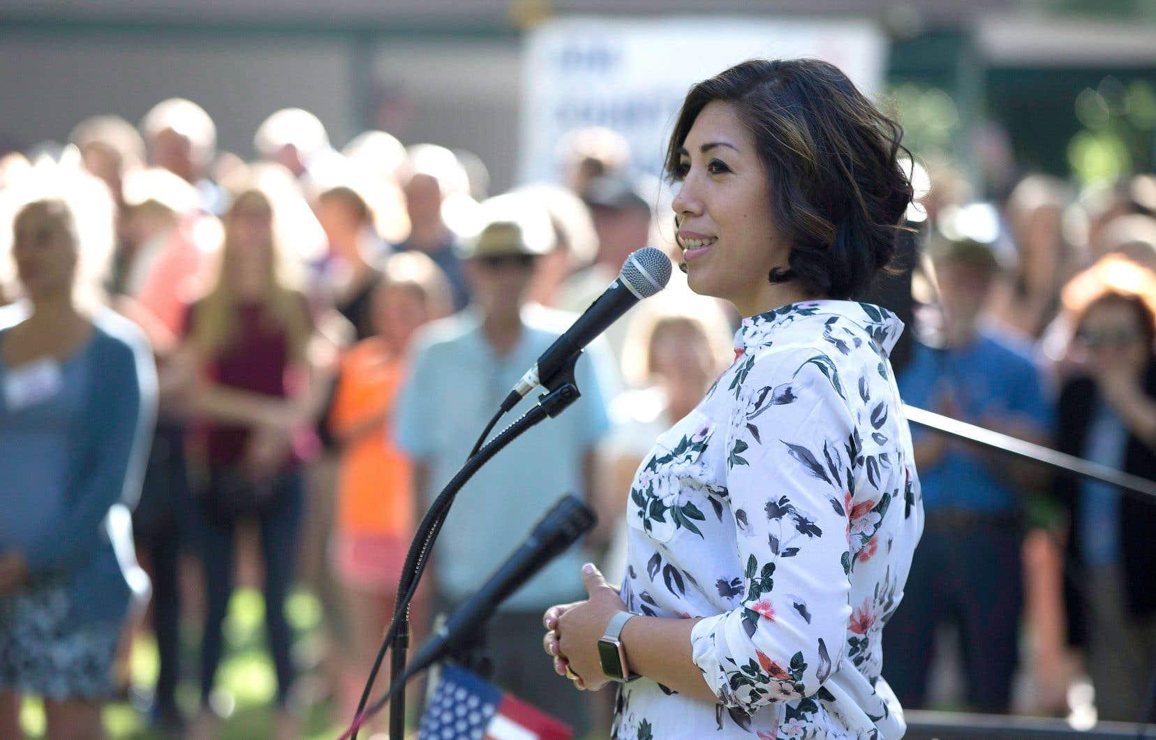 En Idaho, Paulette Jordan pourrait marquer l'histoire en devenant la première femme autochtone à occuper un siège de gouverneure.