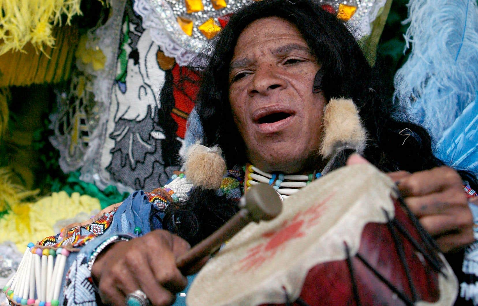 La Nouvelle-Orléans a donné naissance à une culture fortement métissée. Des membres du Creol Wild West Mardi Gras Indians ont donné une prestation au festival Jazz Heritage de La Nouvelle-Orléans en 2008.