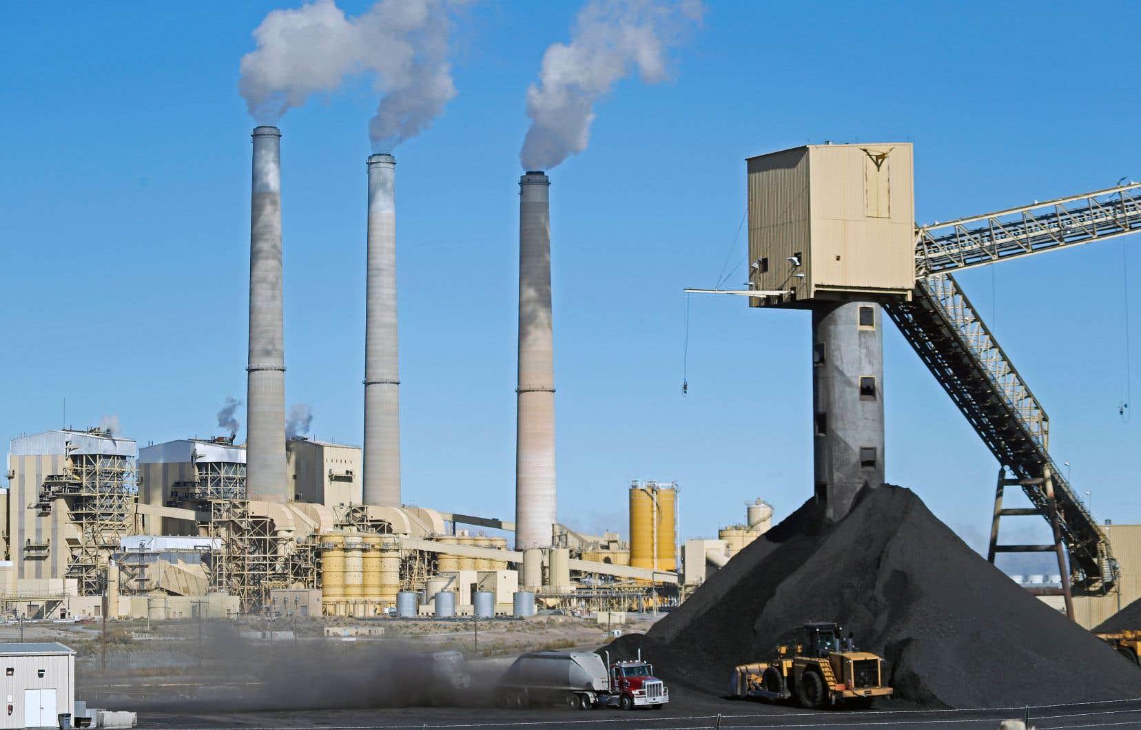 La décision vise à concrétiser l'engagement de campagne de Donald Trump d'annuler des normes environnementales de l'ère Obama.