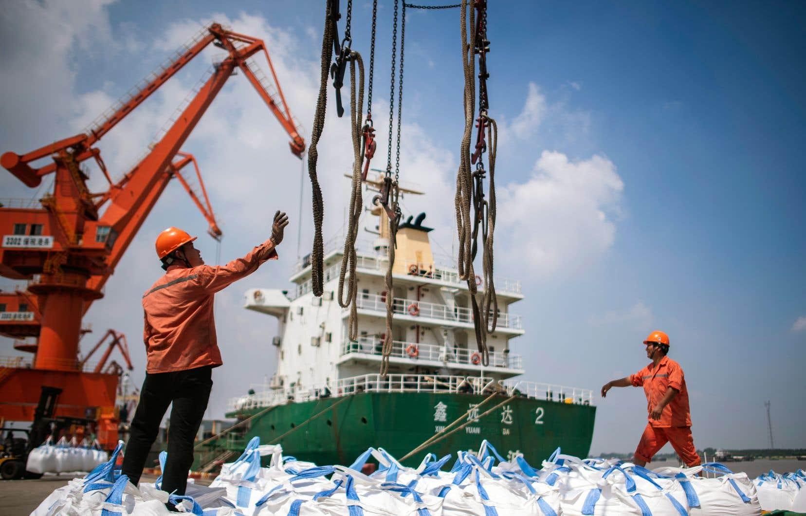 Une nouvelle salve de tarifs douaniers entre en vigueur jeudi.