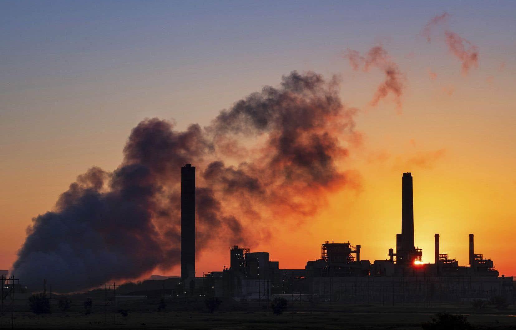 Le charbon représente 37% de la production électrique dans le monde, mais il est extrêmement polluant et génère environ un tiers des émissions de gaz à effet de serre.