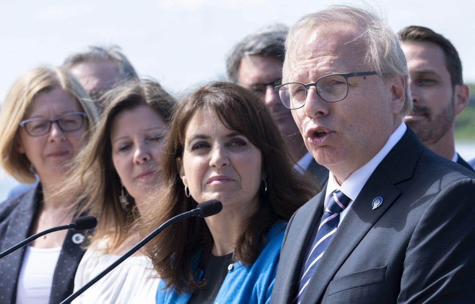 La candidate libérale Gertrude Bourdon est «devenue le symbole de l'indécence politique», a déploré jeudi matin le chef du Parti québécois, Jean-François Lisée.