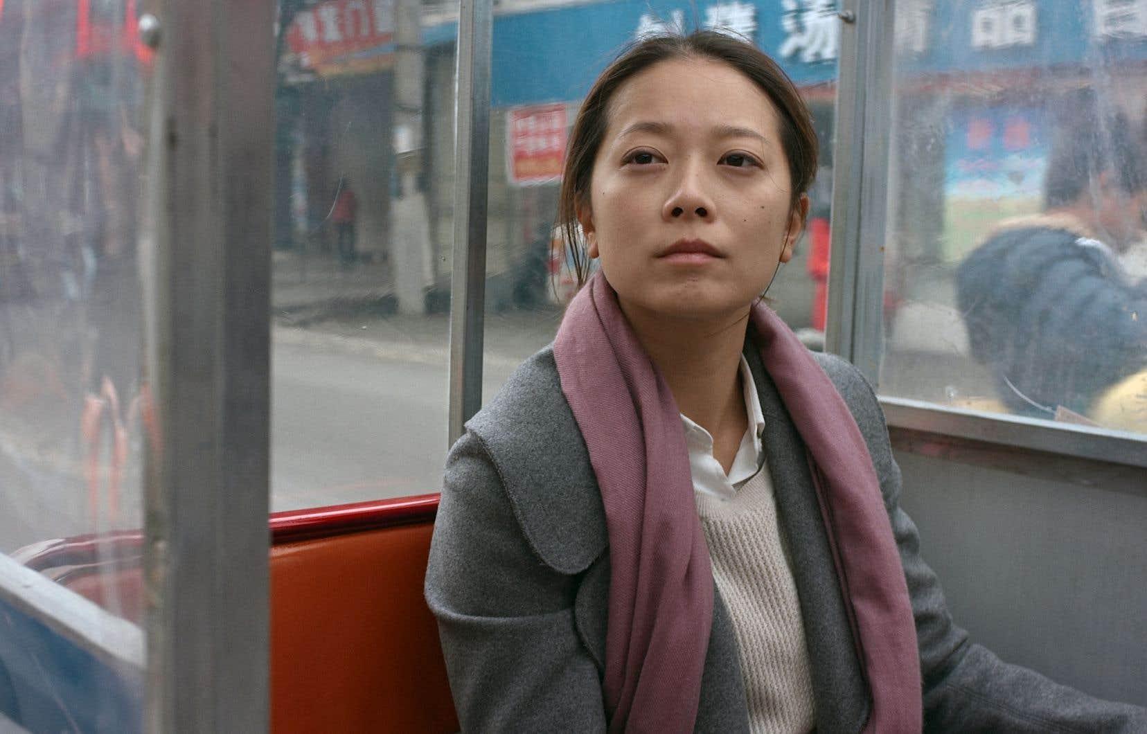 Wensi Yan incarne une femme qui se heurte au conservatisme des siens.