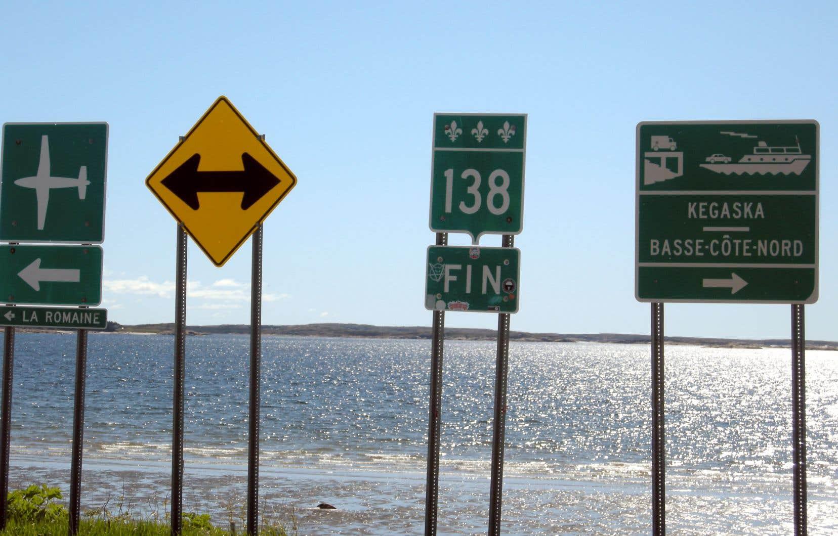 Panneau signalant la fin de la route 138 à Kégaska. Après, pour aller plus à l'est, il faut prendre le bateau ou l'avion.