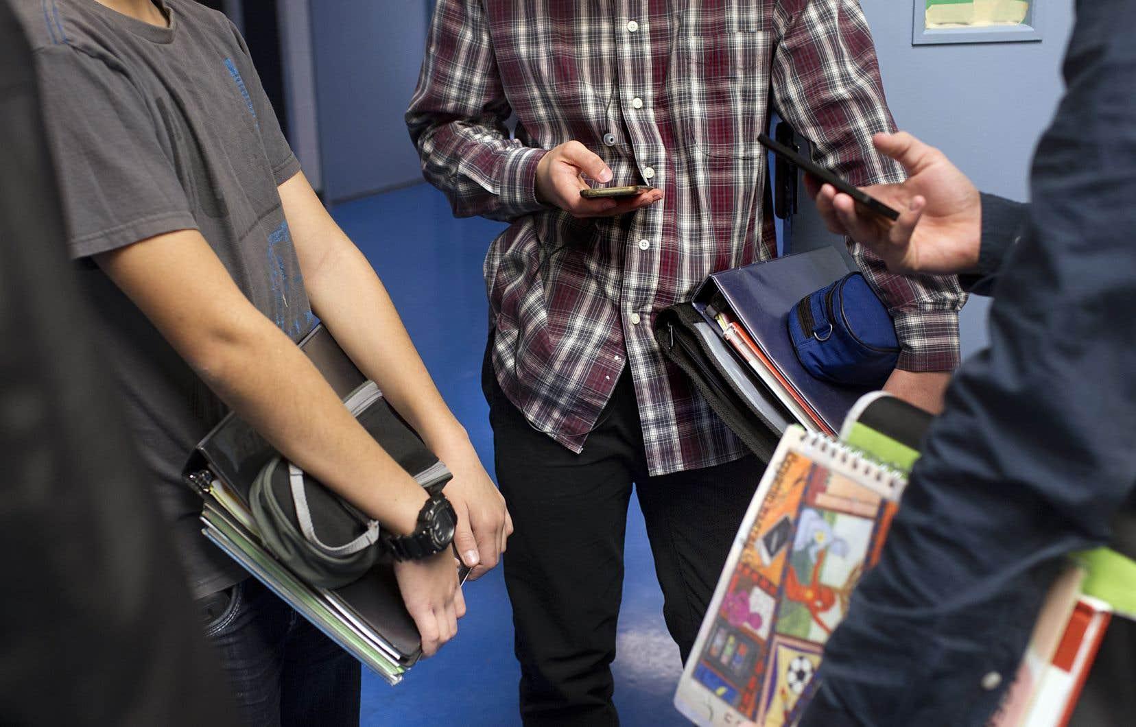 Les adolescents avaient été expulsés du séminaire pour avoir présumément échangé des photos à caractère sexuel de trois de leurs camarades de classe.