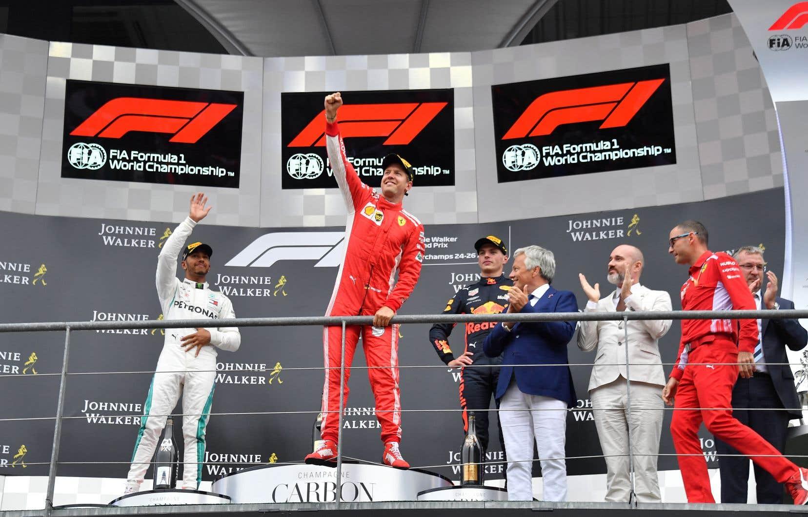 Sebastian Vettel a doublé peu après le départ Lewis Hamilton, parti en position de tête, et a conservé ensuite la première place sans interruption jusqu'à l'arrivée d'une course globalement monotone.