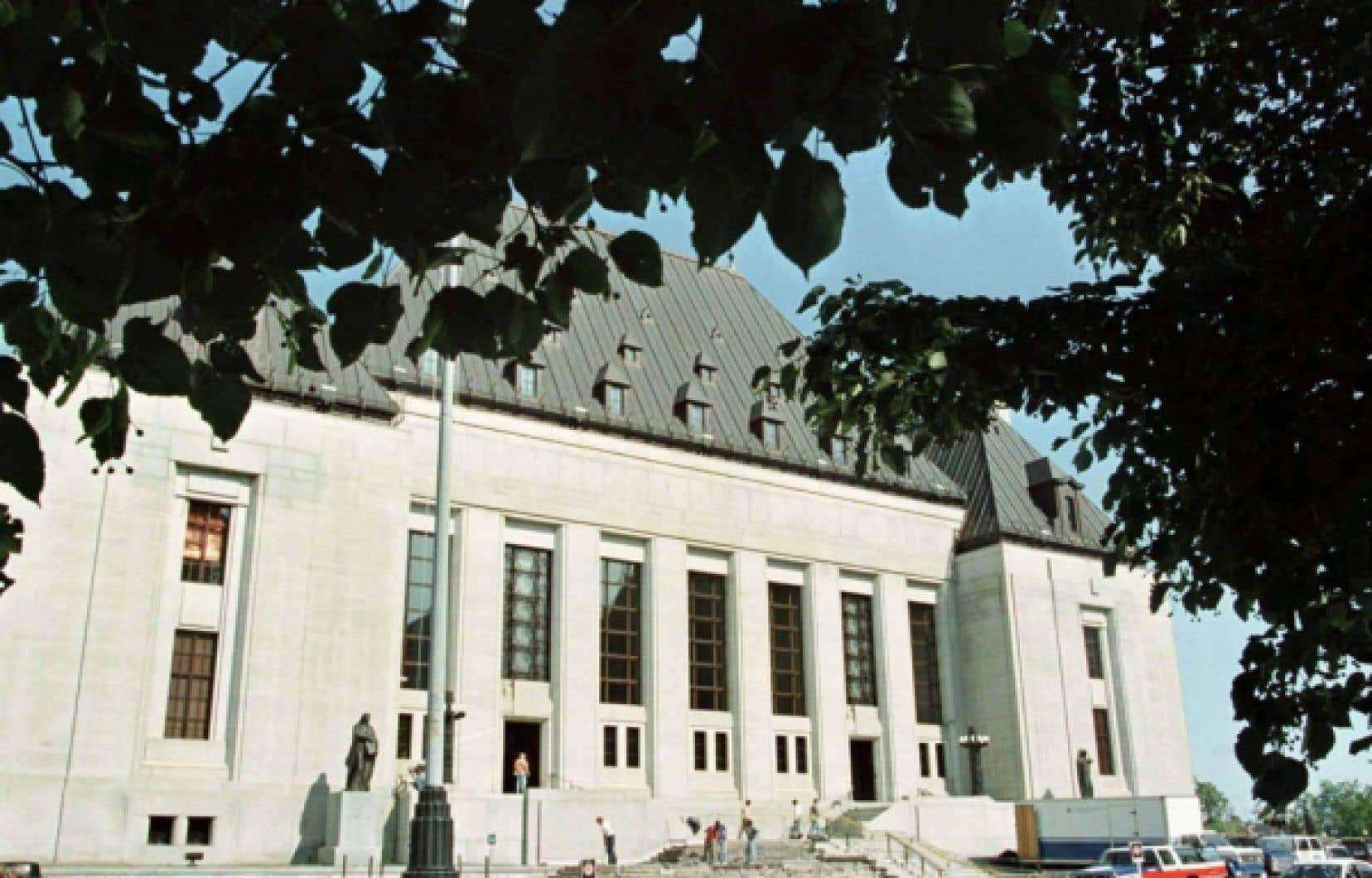 La Cour suprême a entendu plusieurs causes importantes en matière de droits linguistiques.