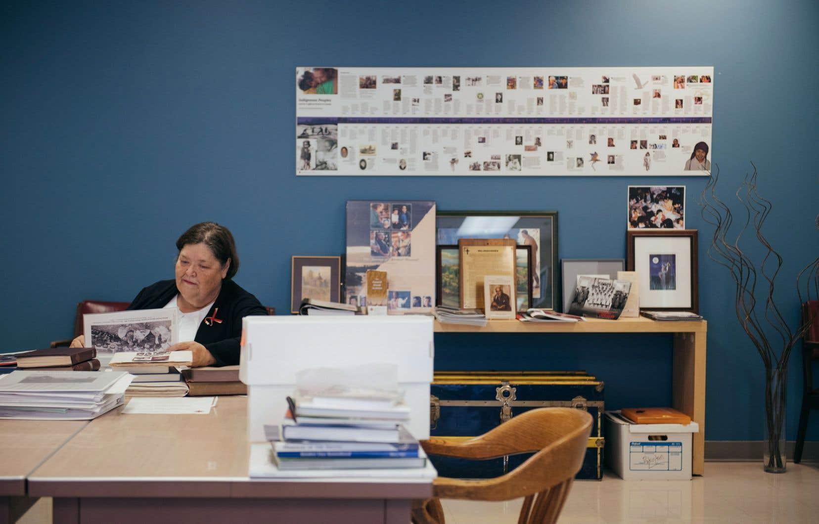 Logan Jeffries a passé 12ans à la recherche de sa tante Nellie. Ce n'est que lorsque des chercheurs autochtones se sont associés à Nancy Hurn (notre photo), une archiviste de l'Église anglicane du Canada, qu'on lui a enfin remis son dossier.