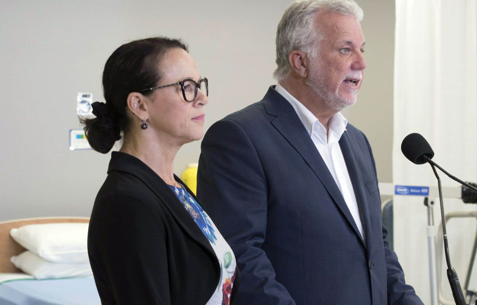 Philippe Couillard a dit s'être entendu avec sa candidate vedette pour assurer un financement «prévisible» et «stable» du réseau de la santé.