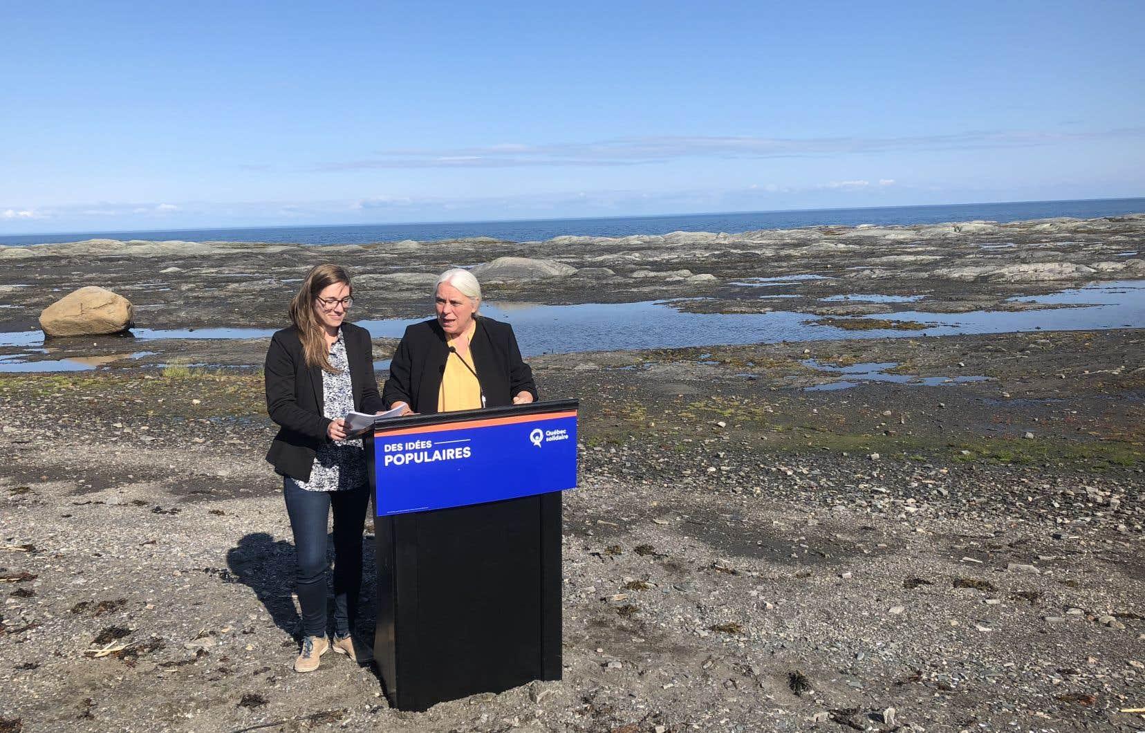 La candidate solidaire dans Rimouski, Carol-Ann Kack, et Manon Massé