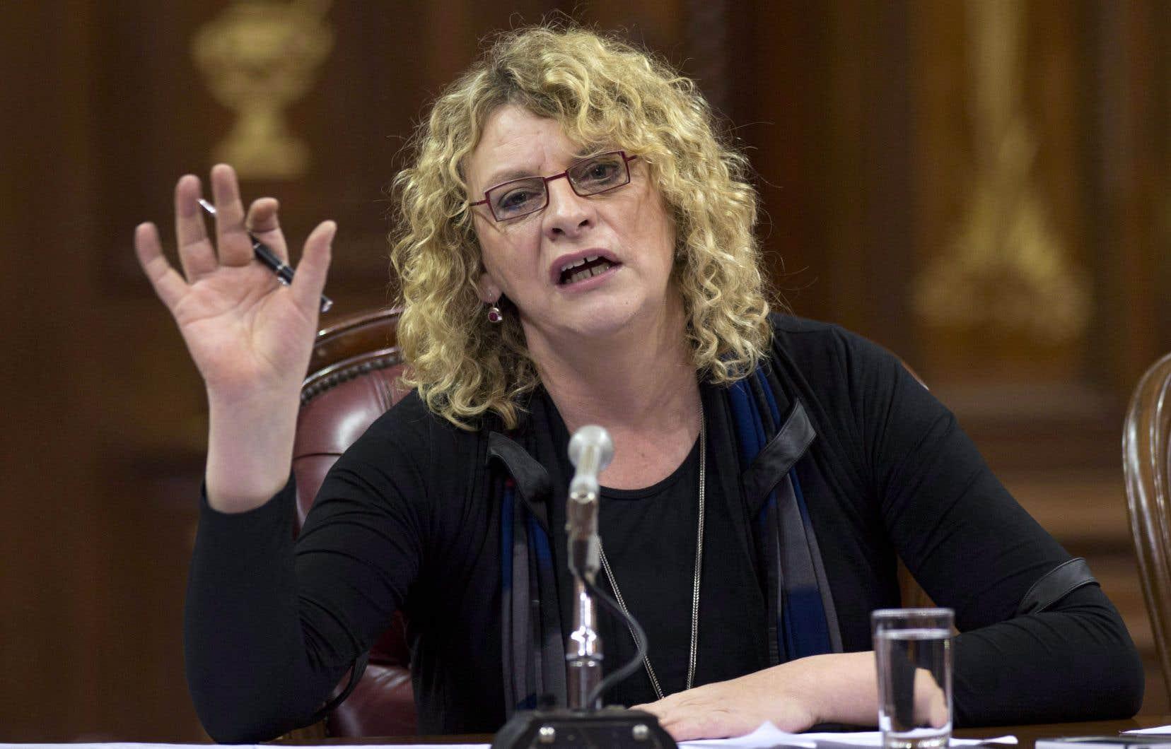 La candidate péquiste Michelle Blanc était visée par une mise en demeure après s'en être prise au blogueur et professeur de philosophie Xavier Camus.