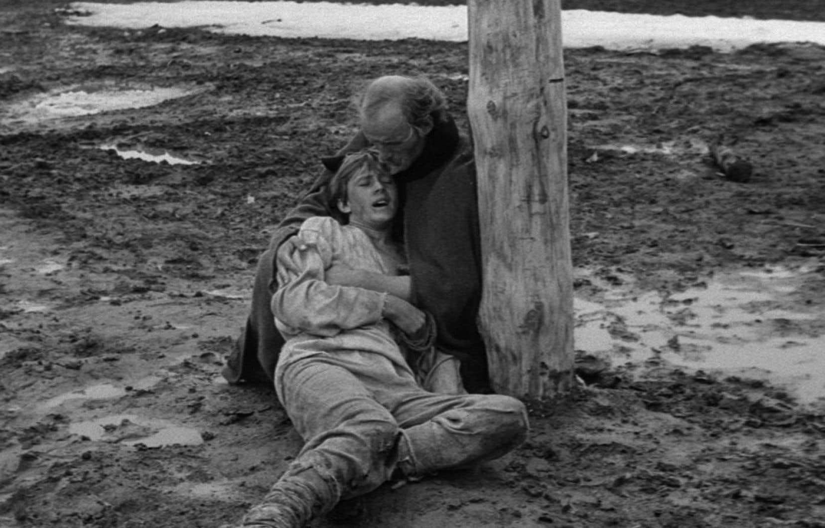 Terminé en 1966, «Andreï Roublev» n'a été montré en URSS qu'après sa diffusion internationale entamée au Festival de Cannes, trois ans plus tard.