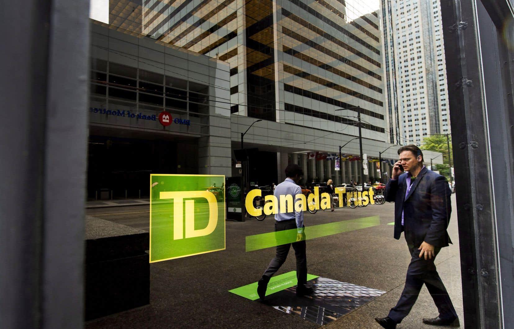 Le bénéfice net de la TD au troisième trimestre s'est élevé à 1,65$ par action, contre 2,77milliards, ou 1,46$ par action, l'an dernier.