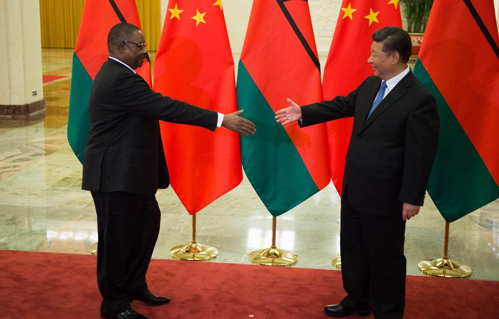 Le président chinois, Xi Jinping, a promis aux dirigeants de 53 pays africains réunis jusqu'à mardi à Pékin une nouvelle salve d'aide de 60milliards de dollars.