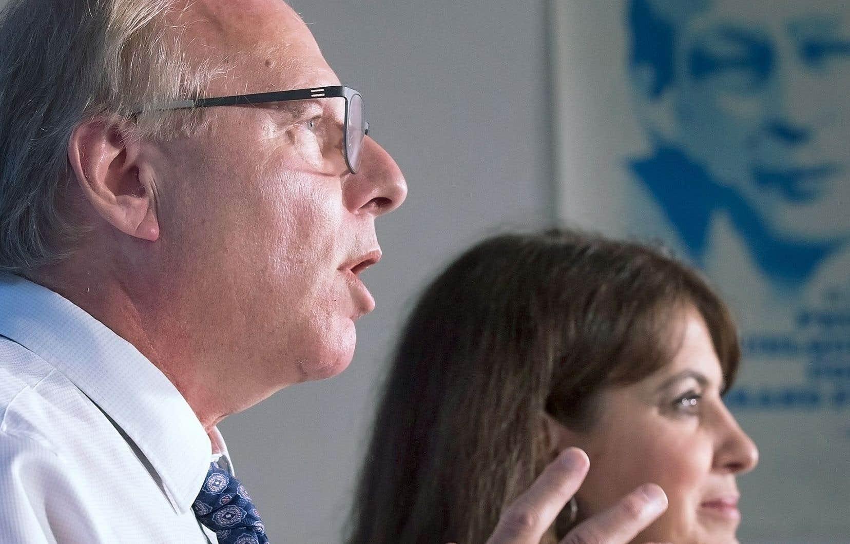 Plus tôt dans la journée, Jean-François Lisée a reconnu que les avocats du PQ et de Radio-Canada avaient eu des discussions au cours de la journée.