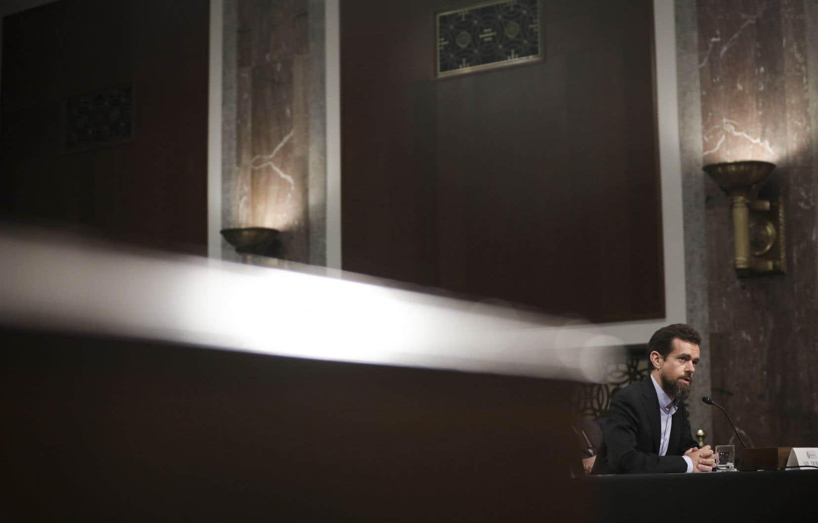 Le fondateur de Twitter, Jack Dorsey, était attendu dans l'après-midi à la Chambre des représentants pour répondre à ces accusations.