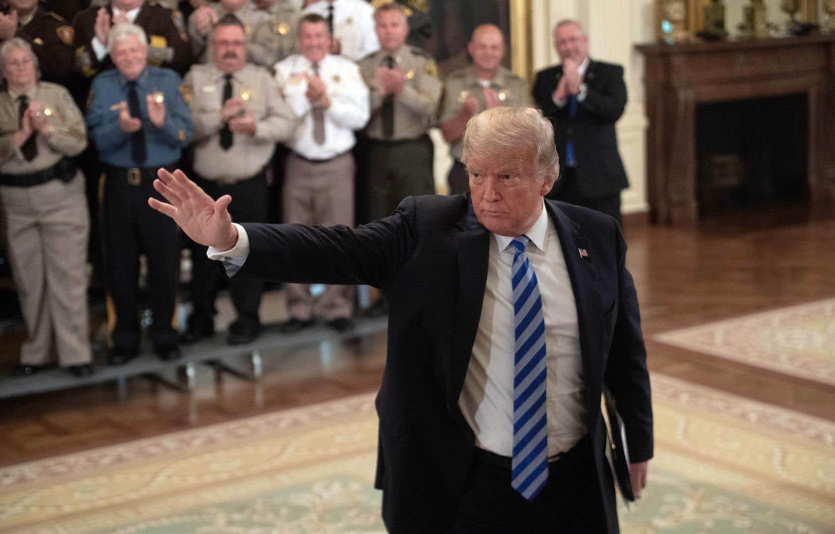Donald Trumpa immédiatement dénoncé un texte «lâche».