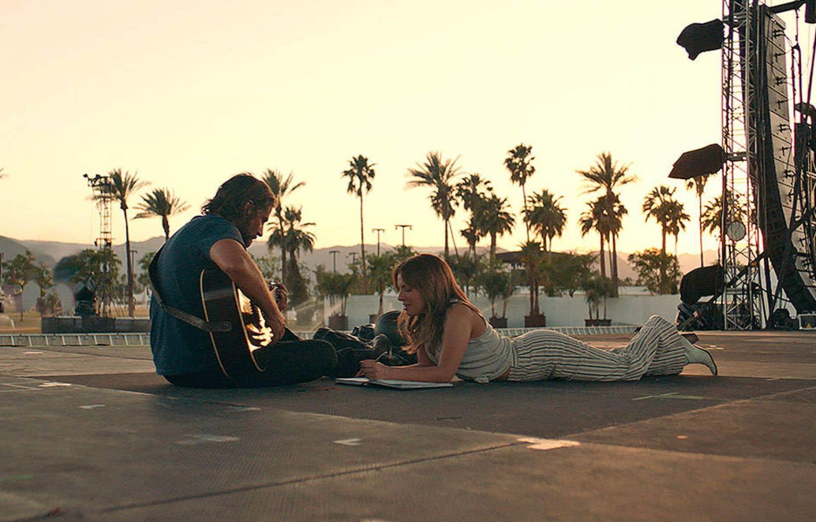 Le «remake» de «A Star Is Born», dont la sortie en salle est prévue au début d'octobre, sera présenté au TIFF. Lady Gaga y donne la réplique à Bradley Cooper, qui réalise aussi le film.